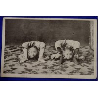 1910's Japanese Postcards : Photo of Chinese Children Acrobatics